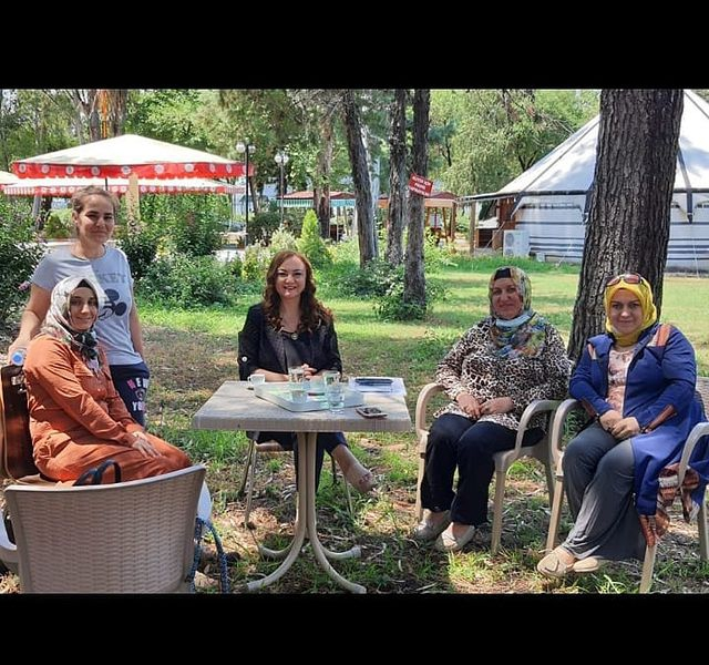 We made plans with Osmaniye Women&39;s Initiative and Development Cooperative for training and selling the products they produce to the whole of Turkey from their online stores.