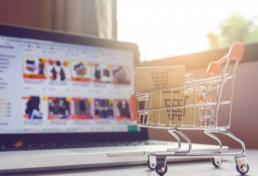 HOW SHOULD PRODUCT MANAGEMENT IN E-COMMERCE?
