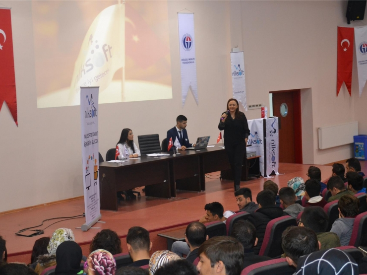 We attended the Hello E-Commerce Conference at Gaziantep University Oğuzeli Vocational School